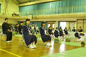 小学一年生、三年ぶりに入学!~平成28年度手々小中学校入学式~
